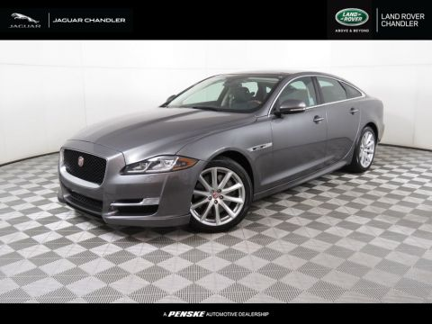 Pre-Owned 2016 Jaguar XJ 4dr Sedan R-Sport RWD